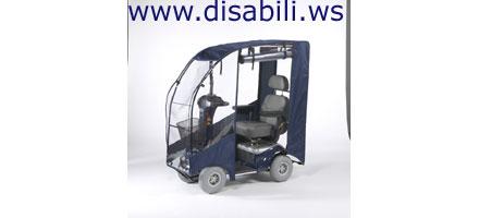 Con questa bellissima e pratica copertura lo scooter elettrico per anziani e  disabili Ceres4 si usa anche in inverno. d5b3dffeb62f