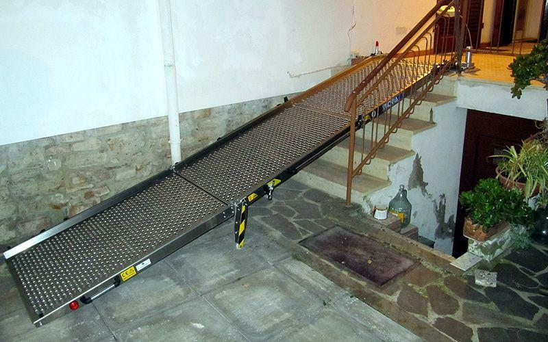 Rampa Girevole In Alluminio Per Il Superamento Di Barriere
